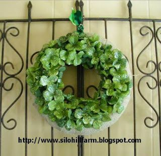 Burlap+and+clover+wreath+on+gate