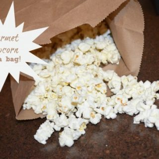 Gourmet popcorn in a bag 549x364