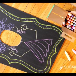 Chalkboard+face+in+the+hole+chalk
