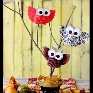 Cupcake+liner+owl+centerpiece+gold