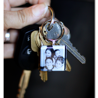 keychain gift photo tile