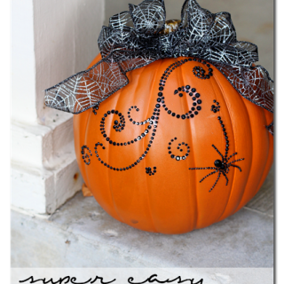 Super+easy+bling+pumpkin+decor