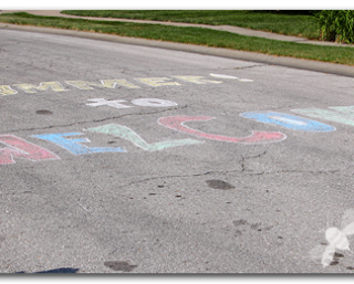 Welcome+to+summer+chalk+sign+on+the+road