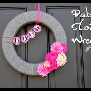 Yarn+wreath+baby+shower
