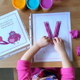 Valentine Play Dough Mats (Preschool Contributor)