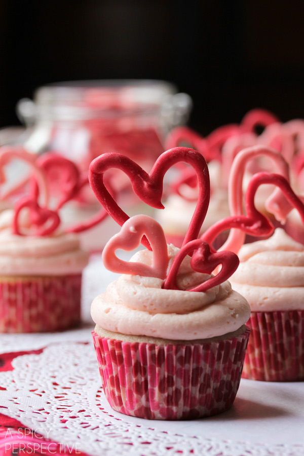 buttermilk-cupcakes-cherry-frosting4