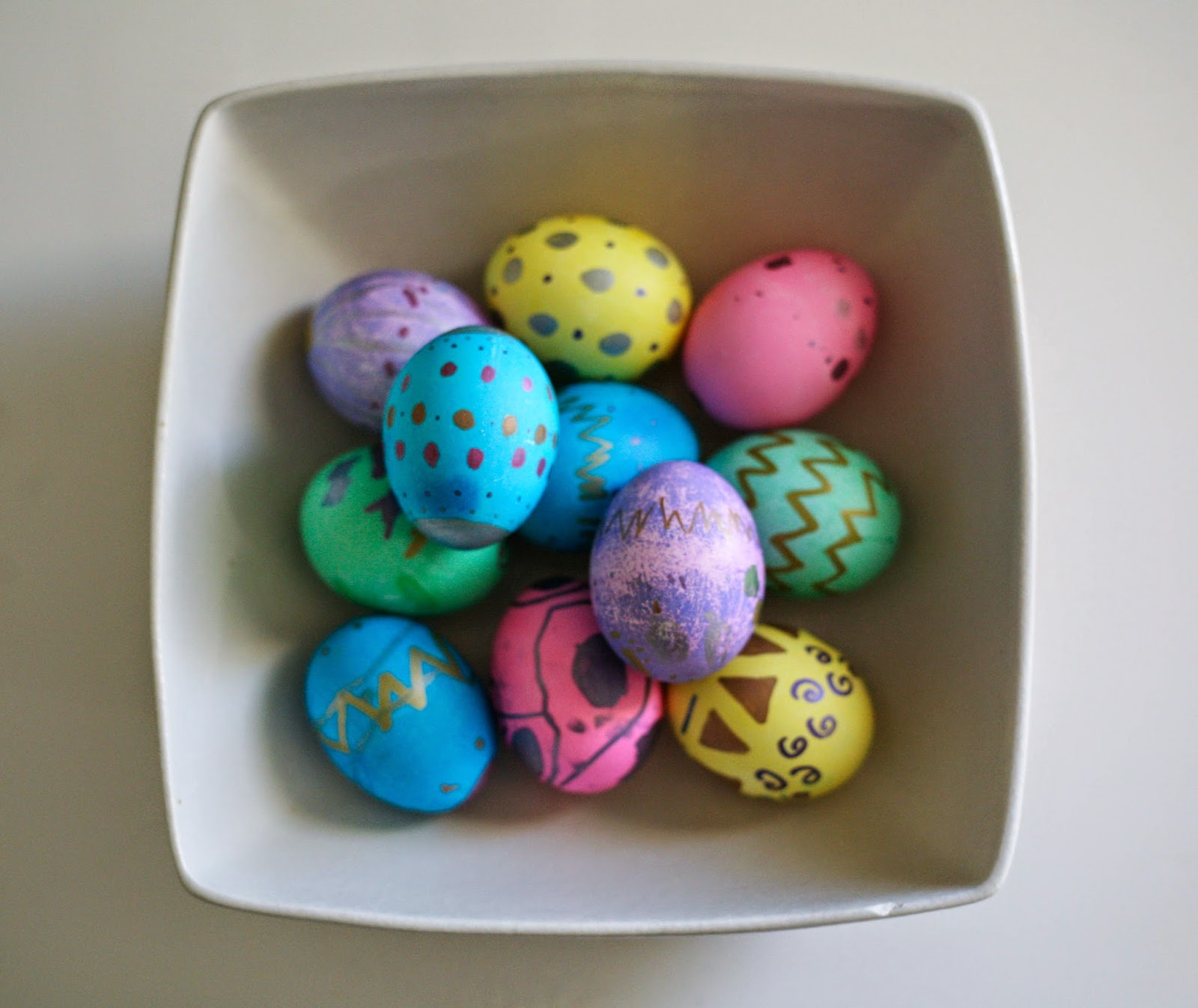 Easter egg decorating ideas sugar bee crafts for Easter egg ideas