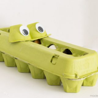 Alligator snack holder 19