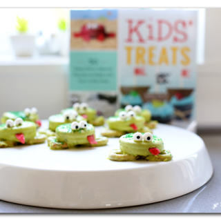 Kids treats oreo frogs
