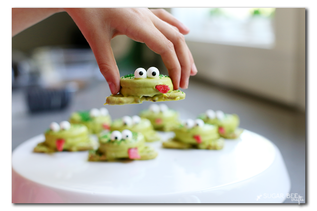 treats kids can make oreo pretzel frogs