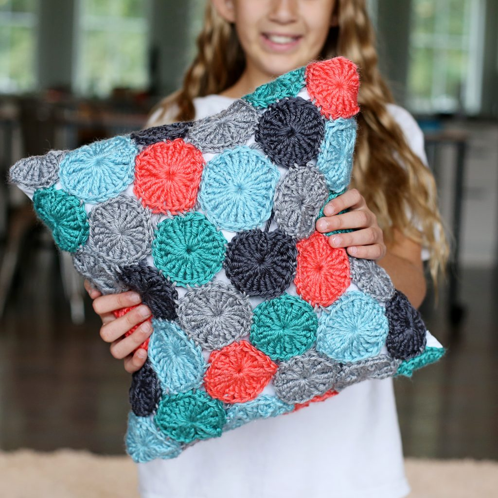 crochet yo-yo pillow square