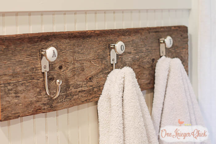 Monogrammed towel hooks- so quick to make with only 2 supplies and just a few minutes of time! OneKriegerChick.com