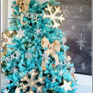 Tips on how to paint a christmas tree