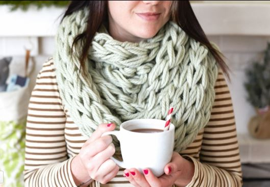 arm knit cowl 2
