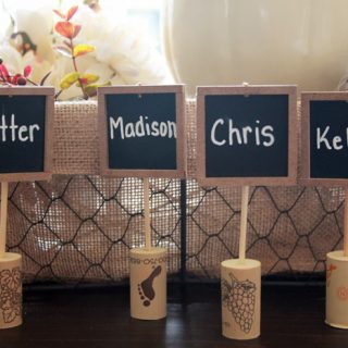 Chalkboard wine cork place cards 5