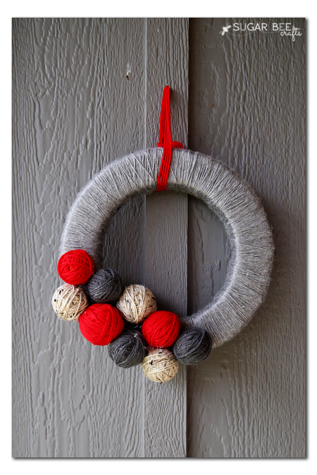 minimal yarn ball wreath