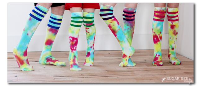 how-to-tie-dye-socks