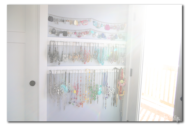 easy jewelry organizer