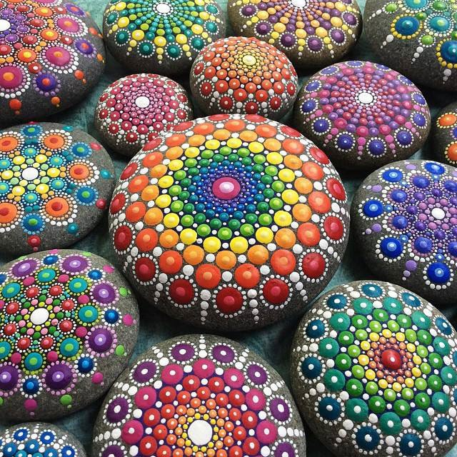 How to crochet a beautiful and colorful mandala diy crafts tutorial - Painted Rocks Round Up Sugar Bee Crafts