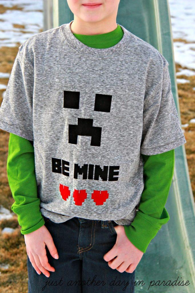 Minecraft Valentine's Day T-Shirt