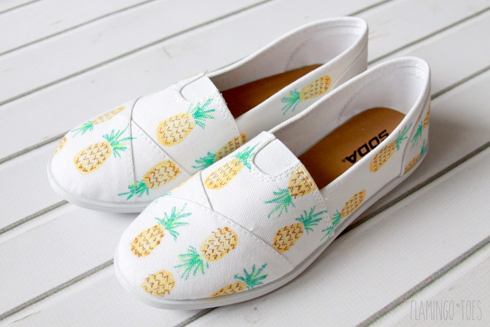 DIY-Pineapple-Shoes