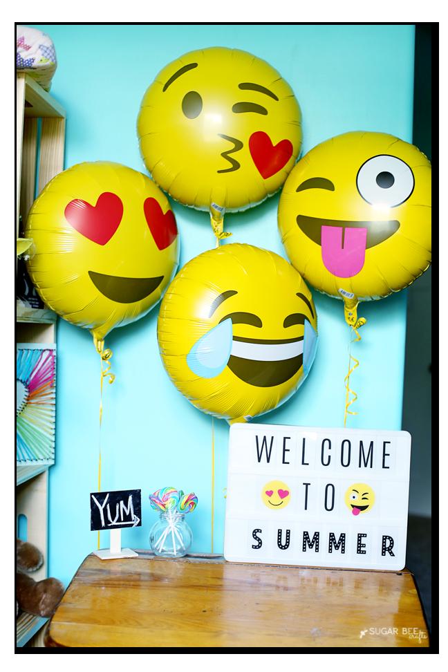 summer lightbox emoji balloons