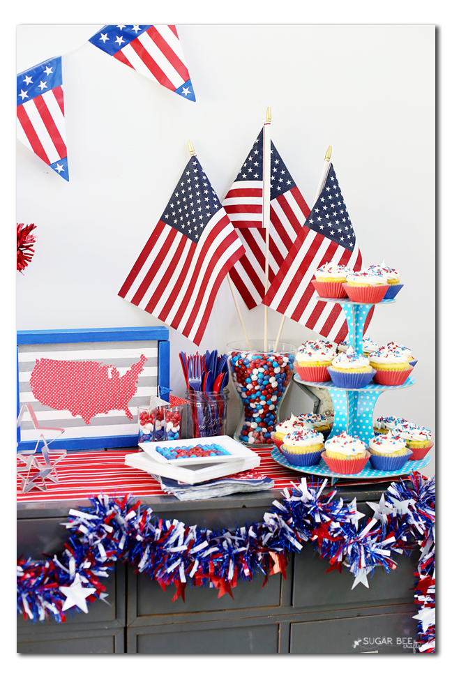 summer party tablescape cupcake idea