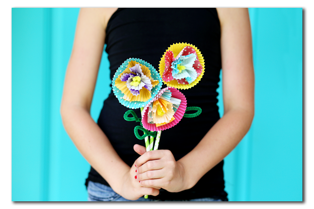 kids craft cupcake liner flowers
