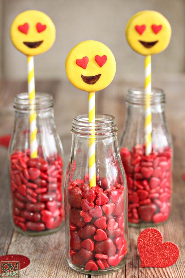 emoji-oreo-pops-10