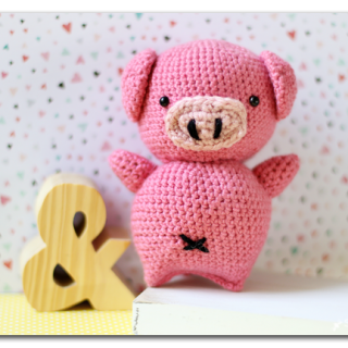 Make your own crochet stuffed pig