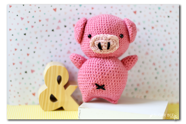 Amigurumi pattern for a dancing Gunter pig. Crochet piglet | 432x648