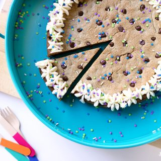 Make your own cookie cake 1