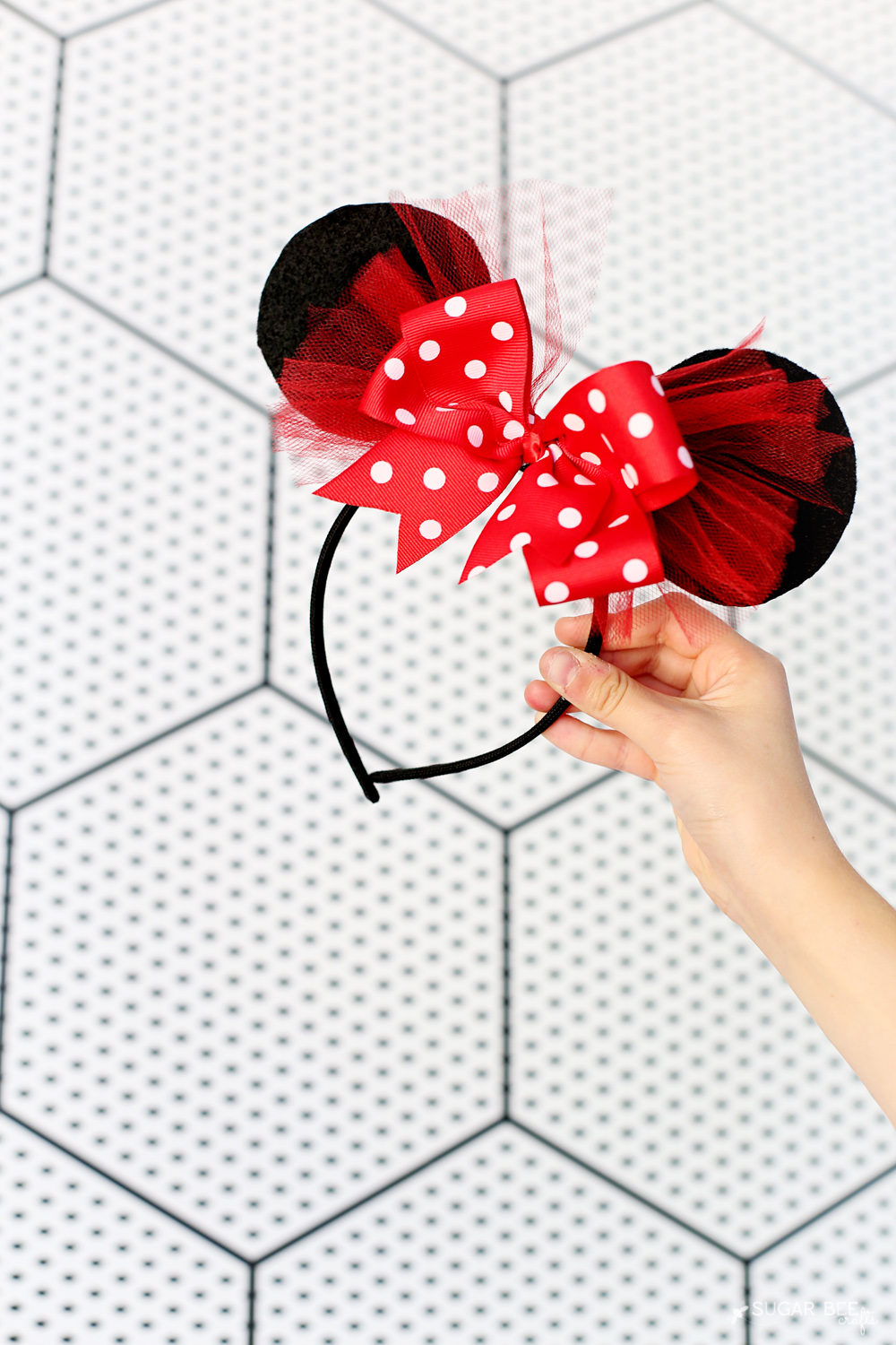 DIY Minnie Mouse Bow Costume