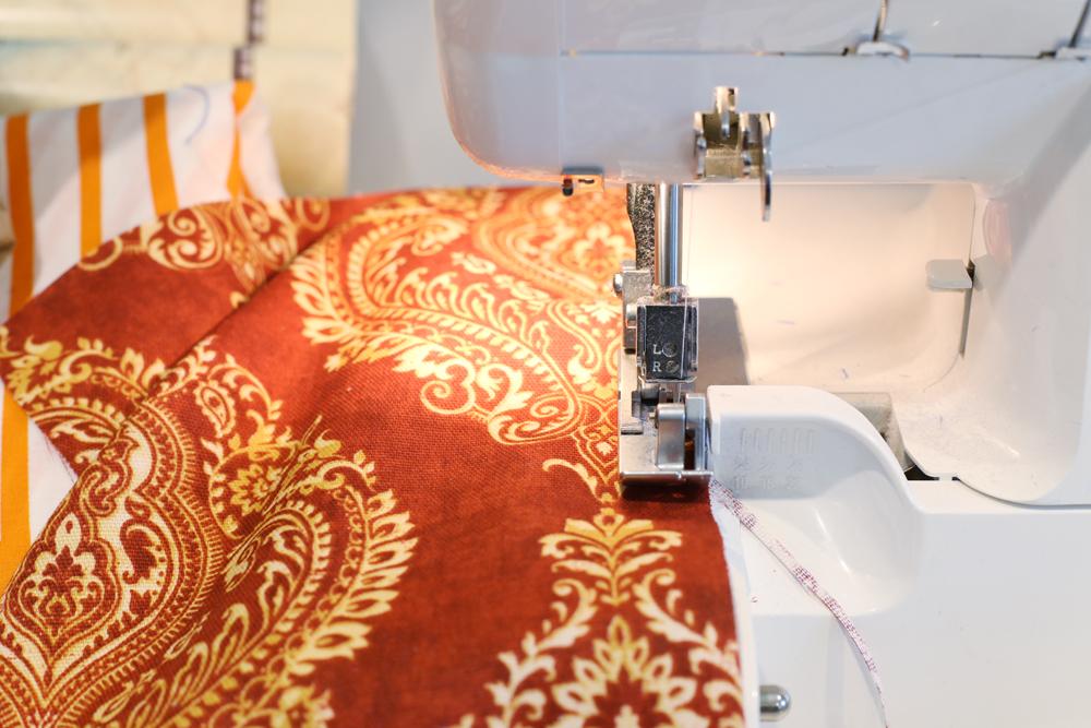 diy-napkins-surged-edges