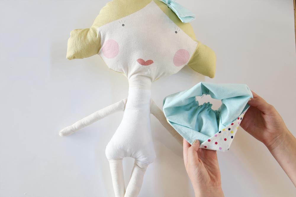 reversible-doll-skirt-tutorial