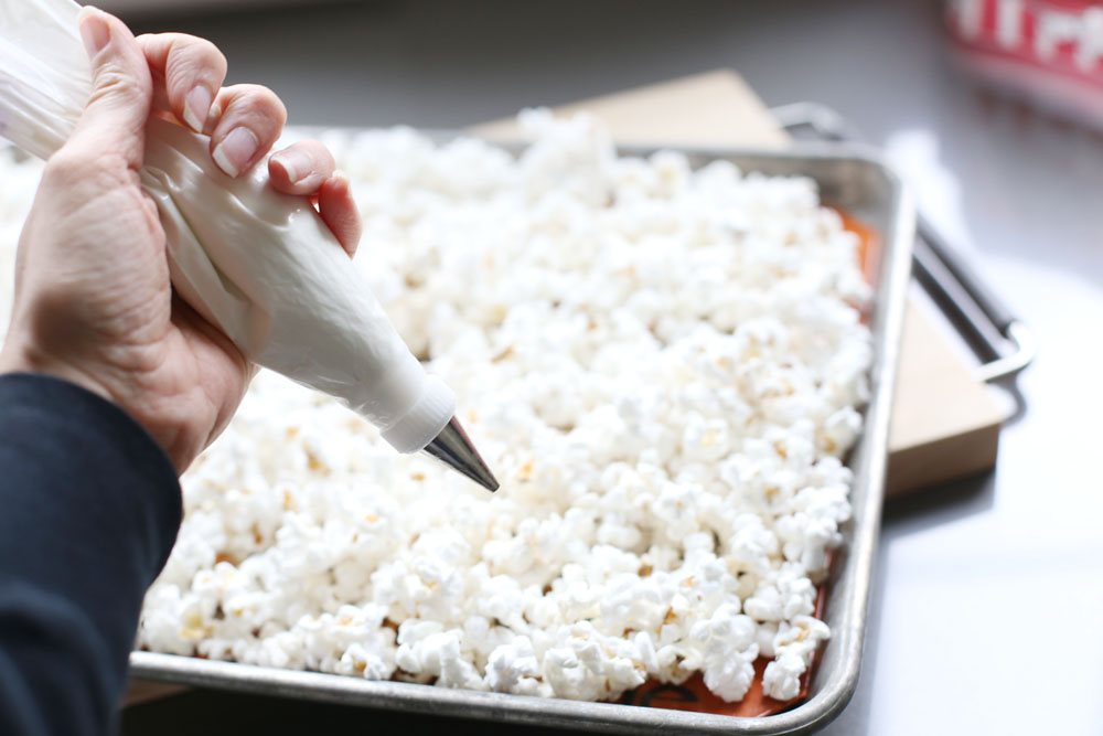 white chocolate popcorn snack idea