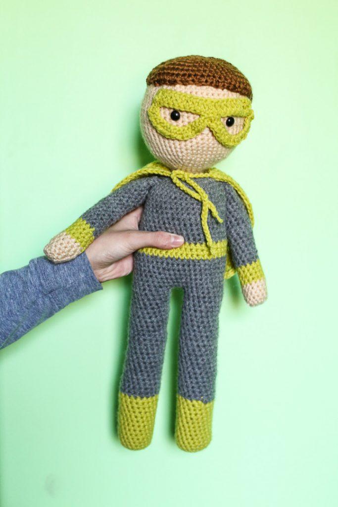 crochet superhero doll-4