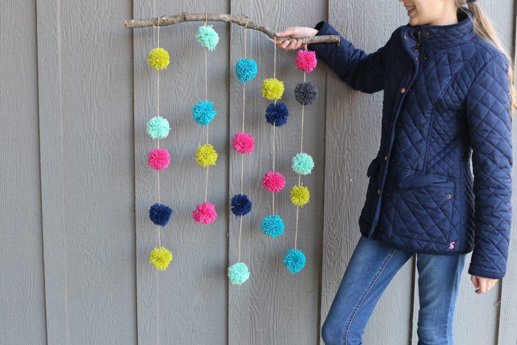 pom pom hanging craft-5