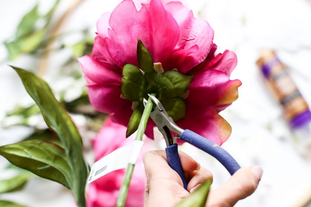 how to cut floral stems for crafting