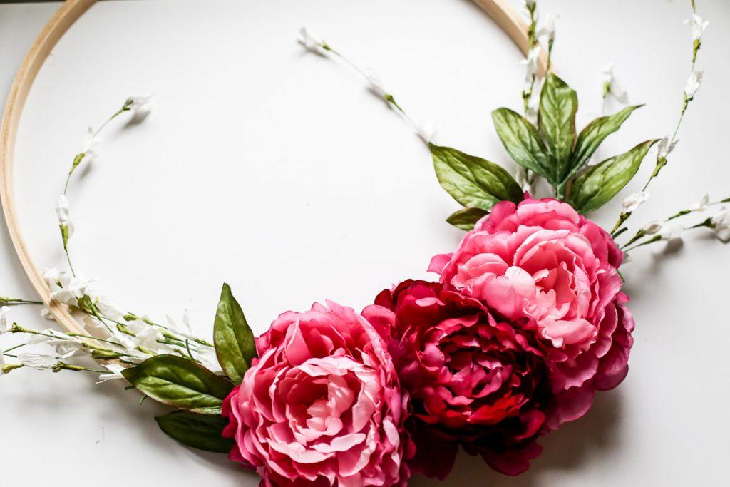 pretty pink spring wreath idea
