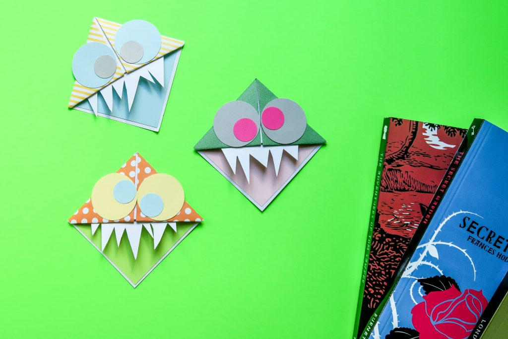 Corner bookmark monster summer craft idea 1