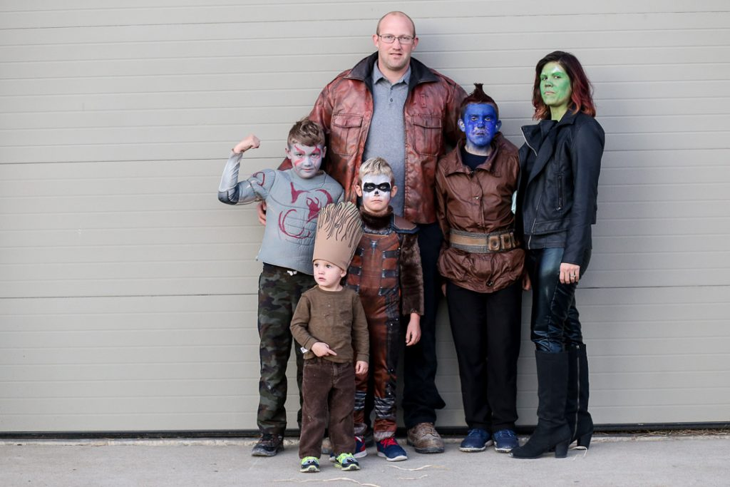 Family costume 12
