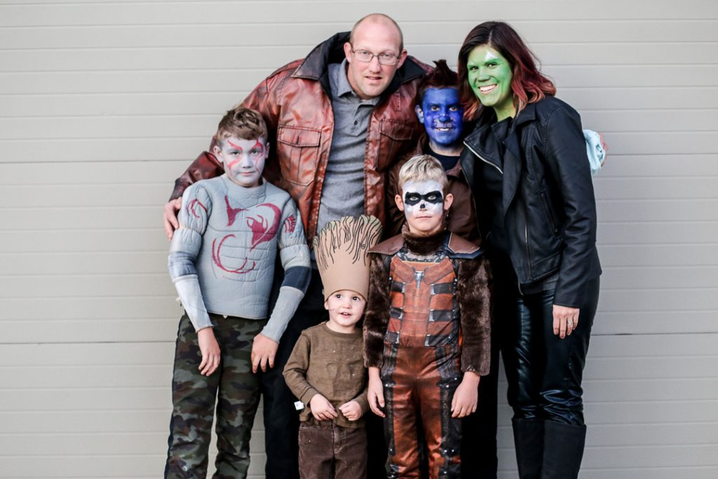 Family costume 14