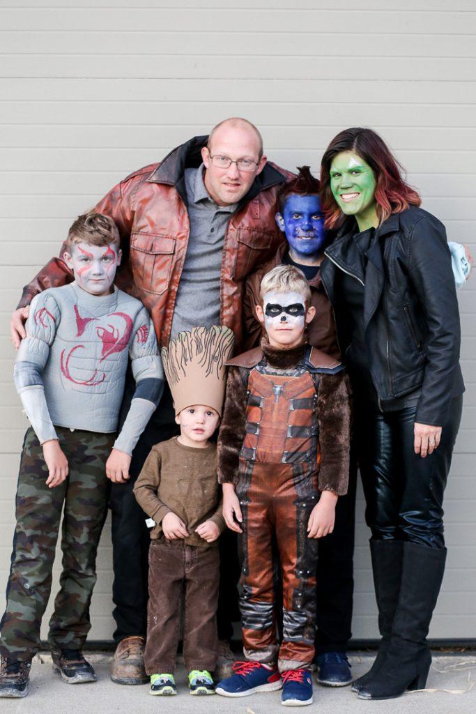 Family costume 15