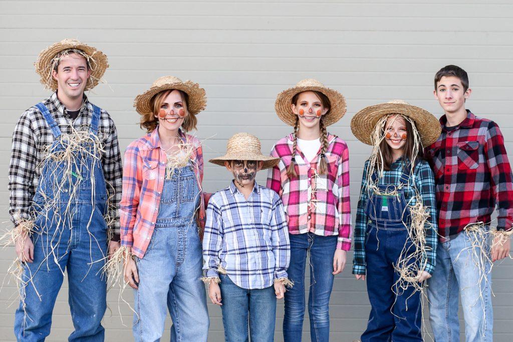 Family costume 6
