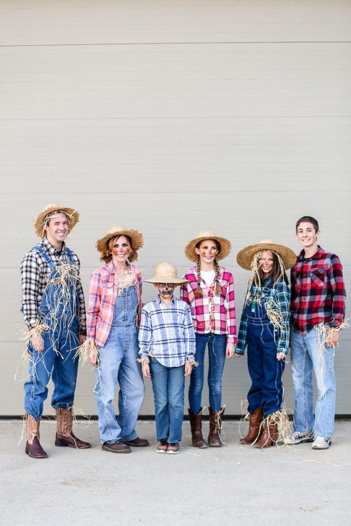Family costume 7