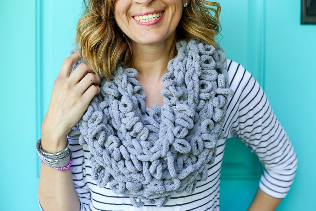 Finger looping infinity scarf how to idea 3