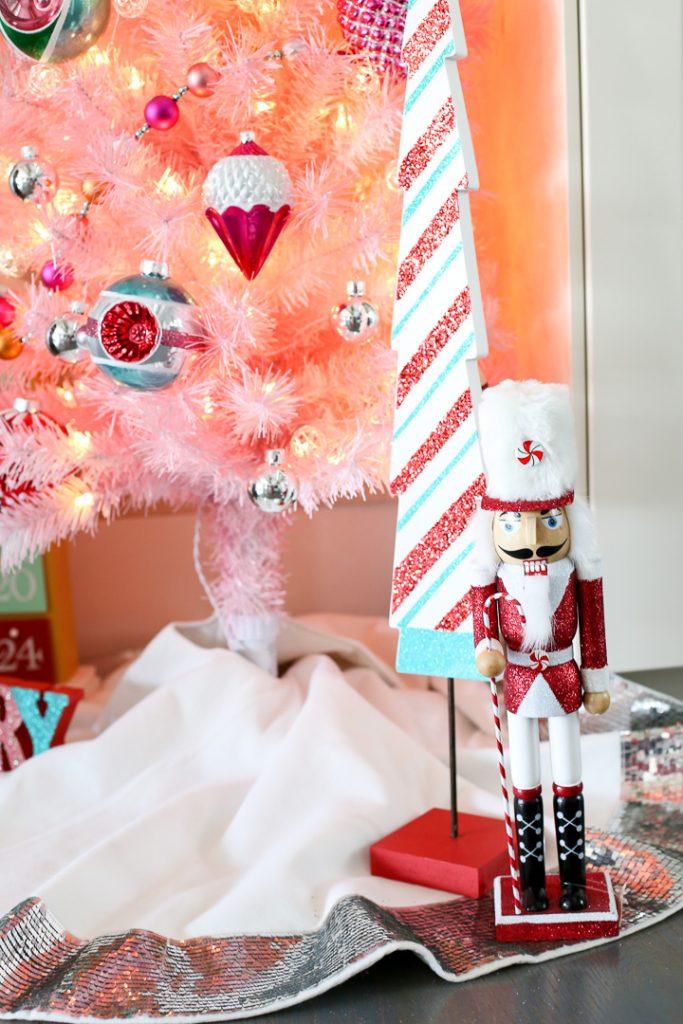 Pink christmas tree decor idea 10
