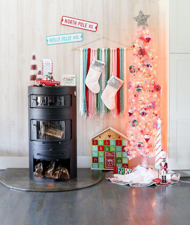 Pink christmas tree decor idea 18