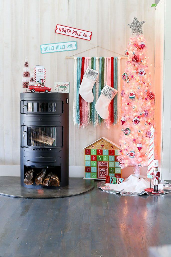 Pink christmas tree decor idea 2